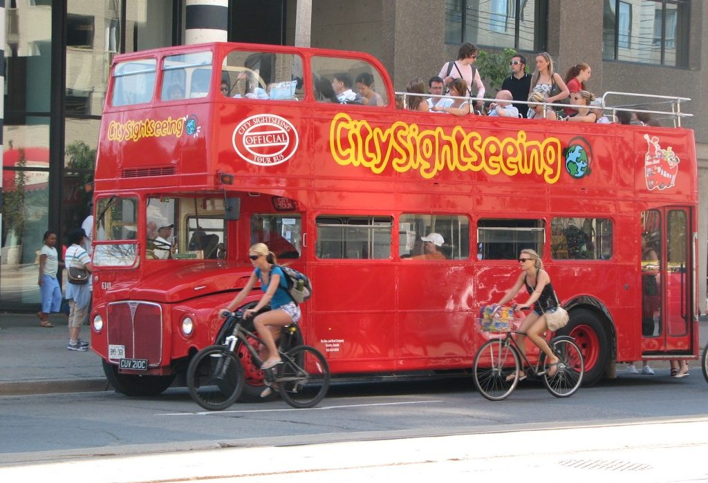 The Reasons Behind Choosing A Bus Tour In Toronto