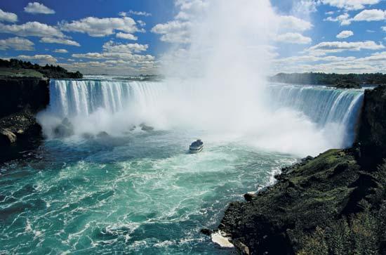 4 Unforgettable Canadian Destinations