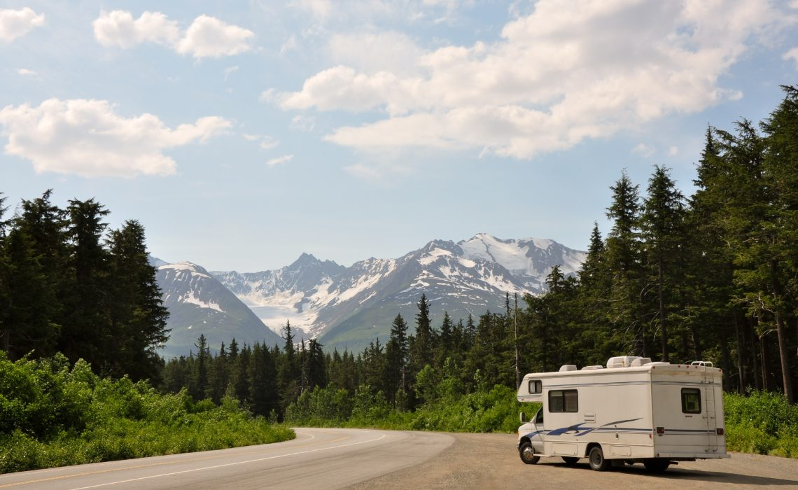 Enjoy Your Next Outing By Hiring The Right Motorhome