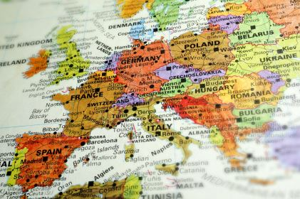 Traveling To Europe? 6 Tips To Help You Look And Act Like A Local