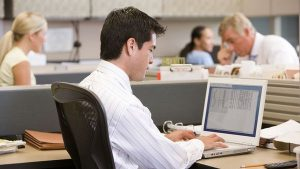 Pros and Cons Of Living Near One's Workplace