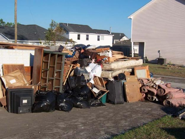 Why It Is Must To Hire Rubbish Clearance Company
