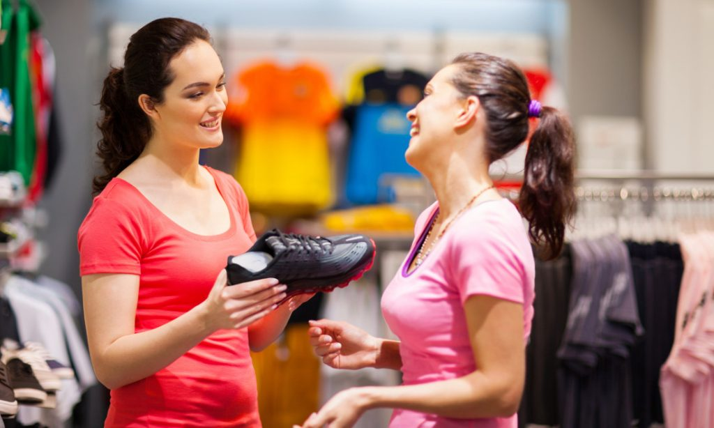 Which Brands You Should Never Go For While Buying Sports Shoes For Yourself