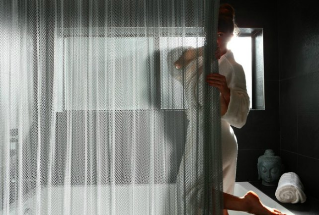 Fabric Shower Curtains: For Enhanced Style and Pattern Of Your Bathroom