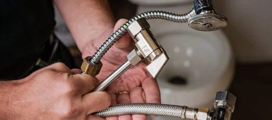 What Are The Benefits Of Hiring Professional Plumbing Contractors
