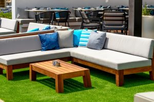 Follow These Top 3 Tips To Choose Best Outdoor Furniture On A Budget